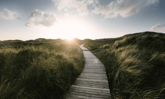 Sky Like Mind | A poem by J W Cassandra at UpDivine